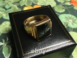 HEAVY, VINTAGE 22 ct YELLOW GOLD HAEMATITE RING SIZE R Wt 10 grams