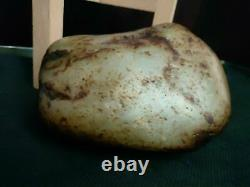 Translucent Chinese mineral gemstone natural white&gray nephrite jade boulder