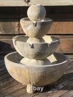 Caractéristique De Fontaine D'eau De Jardin En Pierre